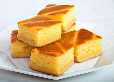 Домашен сладкиш реване с грис, кисело мляко и захарен сироп - снимка на рецептата